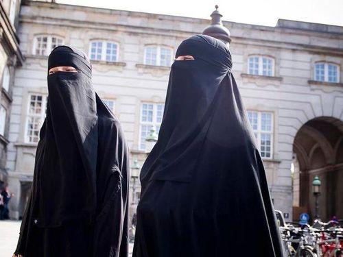 Luật cấm sử dụng mạng che mặt tại nơi công cộng ở Hà Lan bắt đầu có hiệu lực