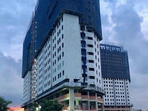 Chung cư Marina Tower có dấu hiệu lấn chiếm rạch Thầy Năm