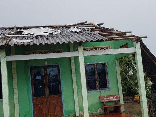 Cà Mau: Hàng trăm căn nhà bị sập, tốc mái và nước ngập do ảnh hưởng cơn bão số 3