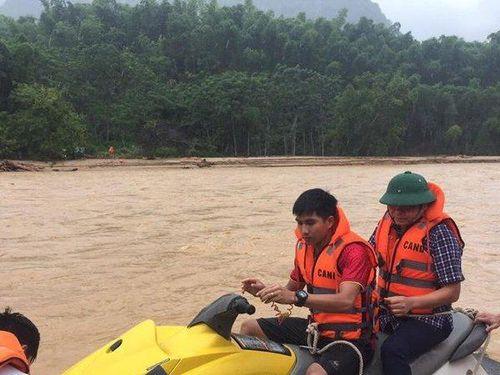 5 người chết, 13 người mất tích trong bão số 3