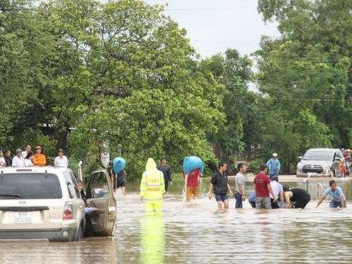 Nhiều vùng ở Tây Nguyên chìm trong lũ