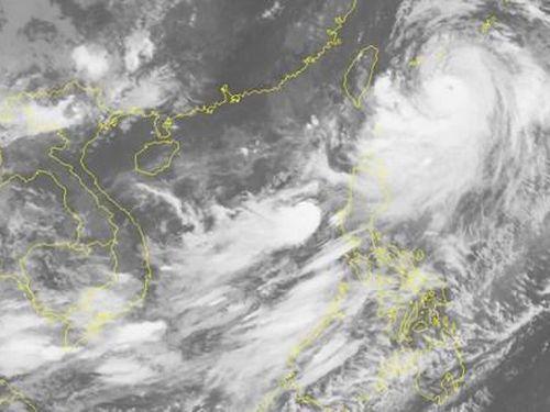 Áp thấp nhiệt đới trên biển Đông, mưa lũ dồn dập