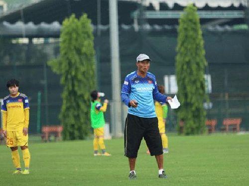 HLV trưởng Mai Đức Chung: Dù FIFA tăng số đội tham dự World cup nhưng cửa vào của bóng đã nữ Việt Nam là rất khó'