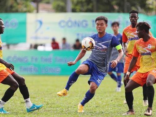 Khai mạc giải Thiên Long dành cho bóng đá 'phủi'