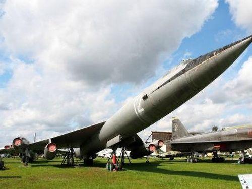 Những dự án sản xuất 'siêu máy bay' chết yểu của Liên Xô