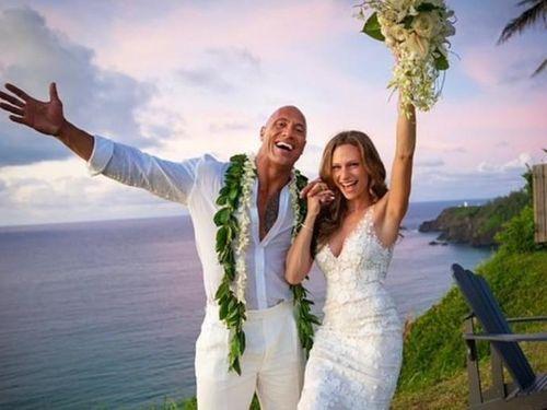Vợ mới cưới của sao Fast&Furious 'đốt mắt' với gu thời trang nóng bỏng