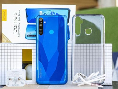 Realme 5/5 Pro: 4 camera sau, pin 5,000 mAh, giá từ 140 USD