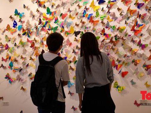 Hàng ngàn cánh bướm mang thông điệp nhân văn của trẻ khuyết tật đang hiện diện giữa lòng Hà Nội