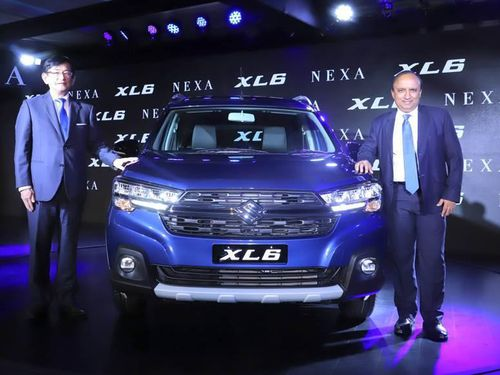 Ô tô MPV Suzuki XL6 giá hơn 300 triệu gây sốt