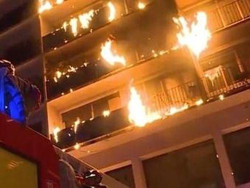 Bệnh viện tại Pháp bùng cháy trong đêm, ít nhất 9 người thương vong