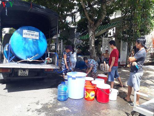 Thiếu nước sinh hoạt cuộc sống người dân Đà Nẵng đảo lộn