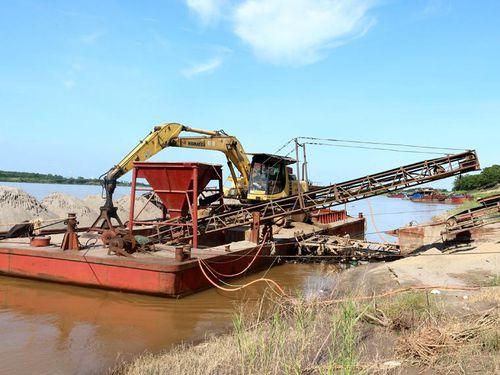 Quản lý bến bãi ven sông: Làm rõ trách nhiệm, xử nghiêm vi phạm