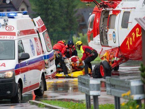 Ba Lan: Sét đánh làm 5 người chết, hàng trăm người bị thương