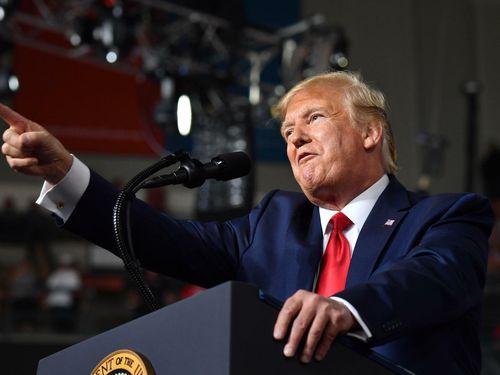 Ra lệnh công ty Mỹ rời Trung Quốc, TT Trump không chỉ dọa suông