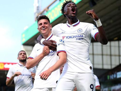 Abraham bùng nổ, Lampard trọn niềm vui cùng Chelsea