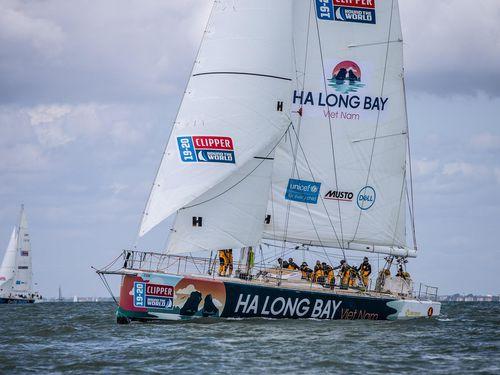Thuyền buồm 'Vịnh Hạ Long' sẵn sàng cho cuộc đua vòng quanh thế giới