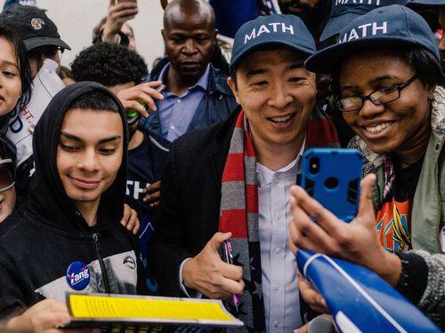 Bước tiến thần tốc của ứng cử viên tổng thống Mỹ gốc Á