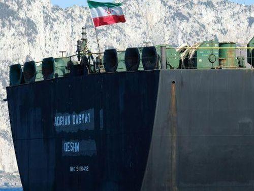 Tàu Iran Adrian Darya vẫn giữ bí mật điểm đến sau khi bán hết dầu