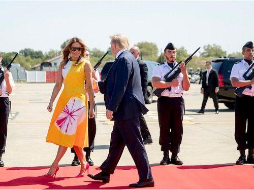 Đệ nhất phu nhân Mỹ Melania Trump xuất hiện tại G7 với loạt váy áo xa xỉ như đang đi trình diễn thời trang