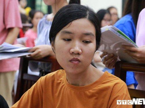 Nữ sinh nghèo Hà Tĩnh tưởng phải gác giấc mơ giảng đường nhập học Đại học Dược Hà Nội