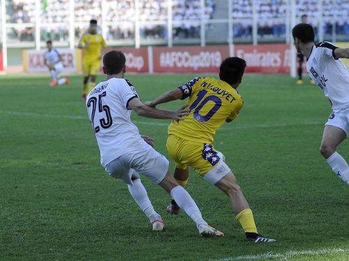 Clip: Chiêm ngưỡng hai bàn thắng đẹp của Văn Quyết