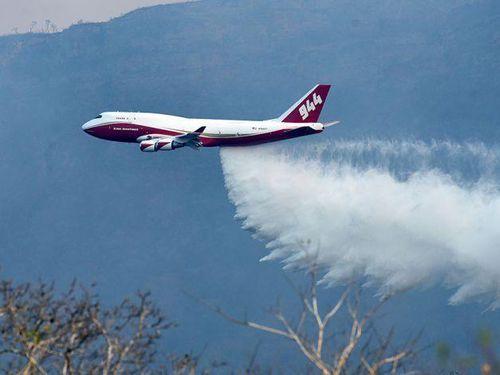 Siêu máy bay Boeing 747 tới Bolivia để dập cháy rừng Amazon