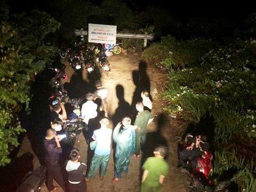 Đề xuất tuyên dương thanh niên rơi xuống vách đá tử vong khi cứu du khách đi lạc