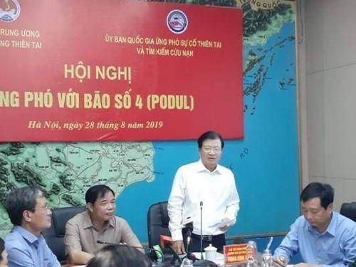 Bão số 4 di chuyển nhanh hơn dự kiến, quét từ Thanh Hóa tới Quảng Bình