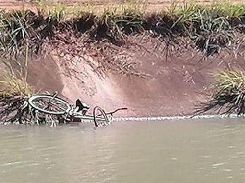 Lặn tìm thi thể người gặp nạn dưới kênh, một chiến sĩ công an hy sinh