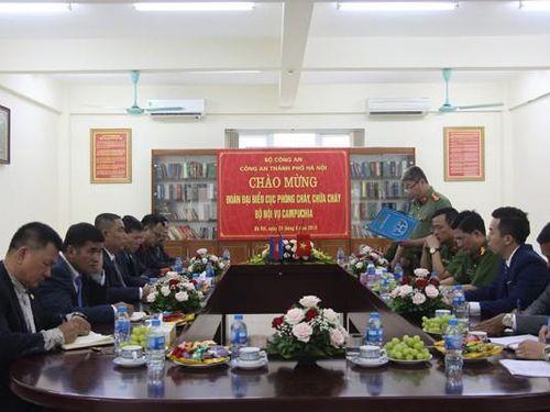 Lực lượng phòng cháy, chữa cháy Campuchia và Cảnh sát phòng cháy chữa cháy, cứu nạn cứu hộ Công an Hà Nội trao đổi kinh nghiệm