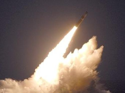 Mỹ nã liên tiếp 4 siêu tên lửa đạn đạo hạt nhân Trident sau vụ phóng của Nga