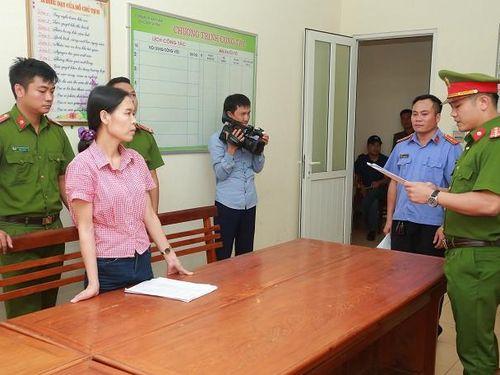 Hà Tĩnh: Khởi tố nữ giáo viên lừa đảo chạy việc