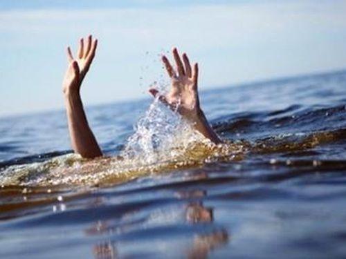 Bé 9 tuổi tử vong do đuối nước tại bể bơi