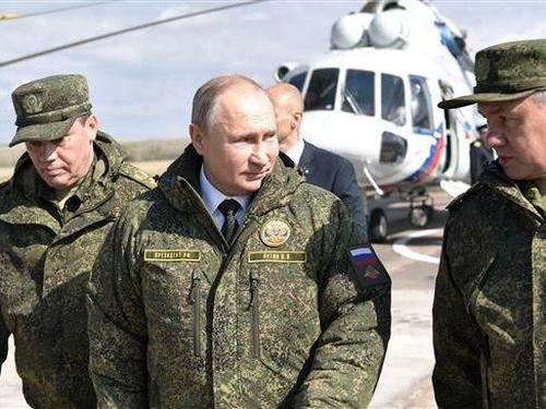 Bộ trưởng Quốc phòng Nga: Không cạnh tranh Mỹ về ngân sách quân sự