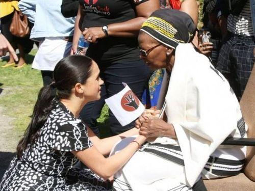 Vợ chồng Hoàng tử Anh Harry và Meghan Markle làm từ thiện ở Nam Phi