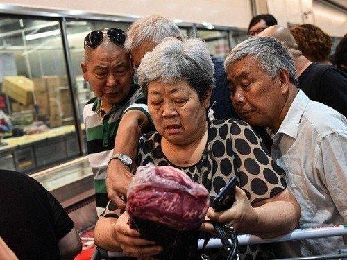Ở Trung Quốc, người giàu là người có thịt lợn để ăn