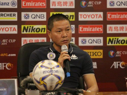 HLV Chu Đình Nghiêm: Hà Nội FC thiếu hậu vệ trái, nhưng sẽ có phương án khắc phục