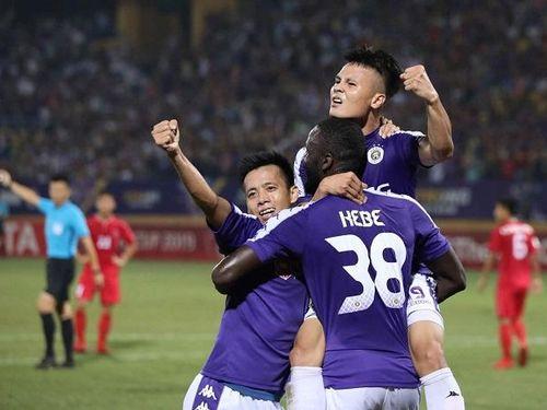 Hàng thủ mắc sai lầm, Hà Nội FC đánh rơi chiến thắng phút cuối