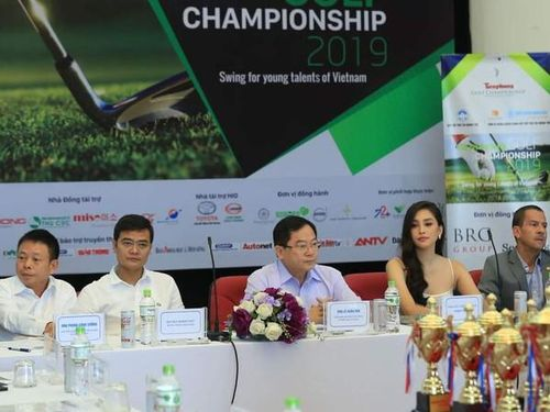 180 vận động viên tham gia giải Tiền Phong Golf