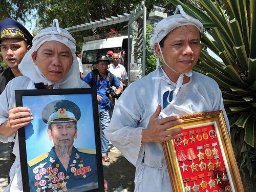 Phi công anh hùng Nguyễn Văn Bảy đã về với đất mẹ
