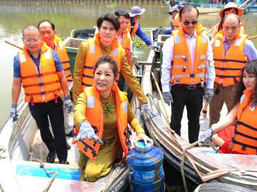 Hoa hậu Hà Kiều Anh, Thúy Nga và các nghệ sỹ 'Nói không với rác thải nhựa'