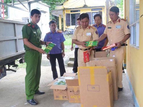 Khởi tố tài xế container vận chuyển hàng chục nghìn gói thuốc lá lậu