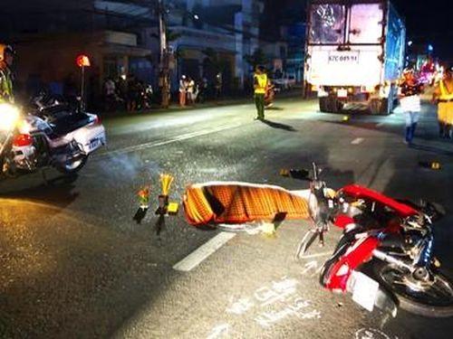 Xe tải va chạm xe máy, 1 người tử vong tại chỗ