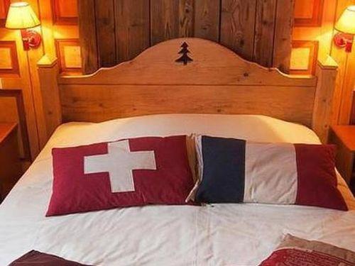 Khách sạn độc đáo nhất thế giới: Ngủ ở Pháp nhưng phải đi vệ sinh ở Thụy Sĩ