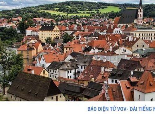 Ngắm những tòa nhà, khu phố cổ thơ mộng ở Đông Âu