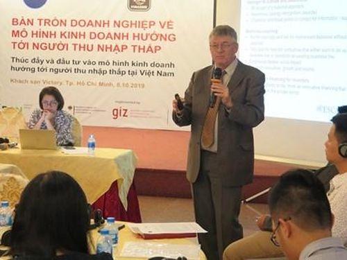 Mô hình kinh doanh hướng tới người thu nhập thấp phù hợp với Việt Nam
