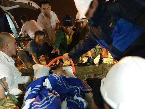 Cứu sống thuyền viên bị tai nạn trên biển mất nhiều máu, hôn mê