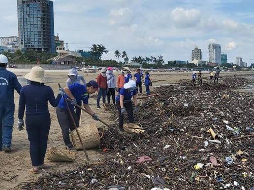 Xử lý rác biển không đơn giản