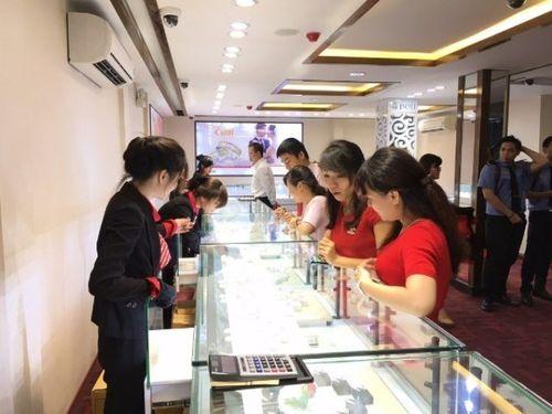 Giá vàng trong nước 9/10 quay đầu tăng mạnh, mua bán 41,37– 42,75 triệu đồng/lượng