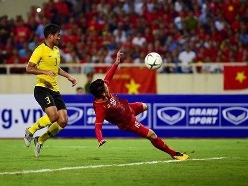 Quang Hải ghi bàn đẳng cấp, Việt Nam thắng nghẹt thở Malaysia 1-0